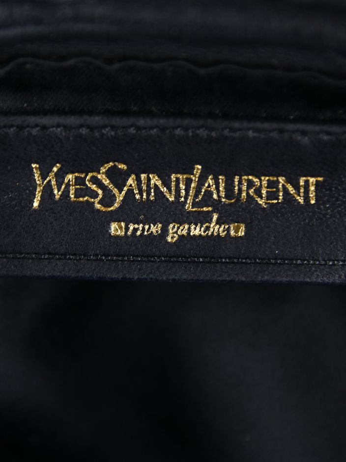 Bolsa Yves Saint Laurent Muse Oversized Preto