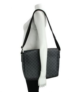 Bolsa Louis Vuitton  Damier Graphite District MM
